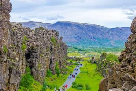 Walking down the lava canyon in Þingvellir