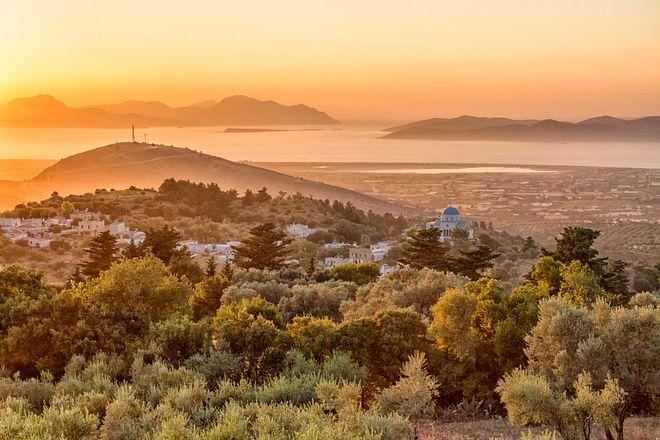 Ein schöner dramatischer Sonnenuntergang in Zia, Kos, GriechenlandMinos, Minoisch, Einkaufen