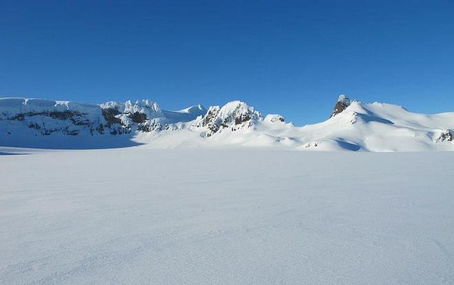 Snowmobile tour on Vatnajökull Glacier - In Southeast Iceland