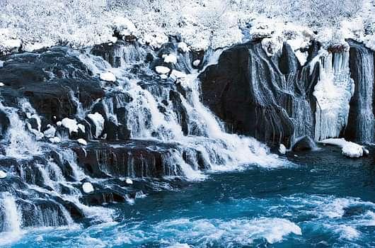 Hraunfossar Winter