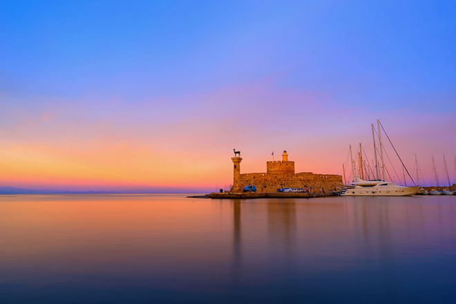 Rhodos - Sonnenuntergang vom Hafen von Mandraki